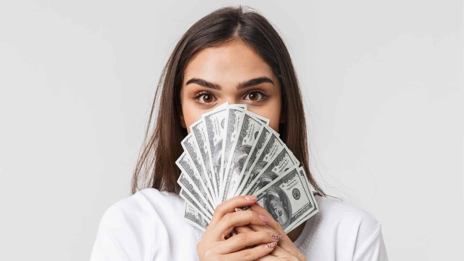 How much money does sssniperwolf make